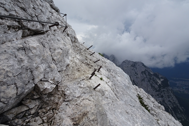 Klettersteigset Verleih Garmisch : Wandern garmisch partenkirchen kreuzeck alpspitze via ferrata