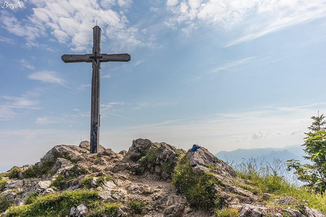Das Gipfelkreuz der Rampoldplatte